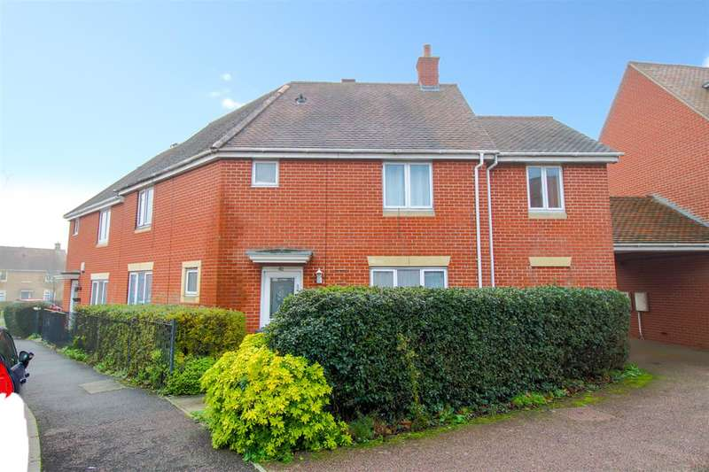5 Bedrooms Semi Detached House for sale in Hakewill Way, Colchester CO4