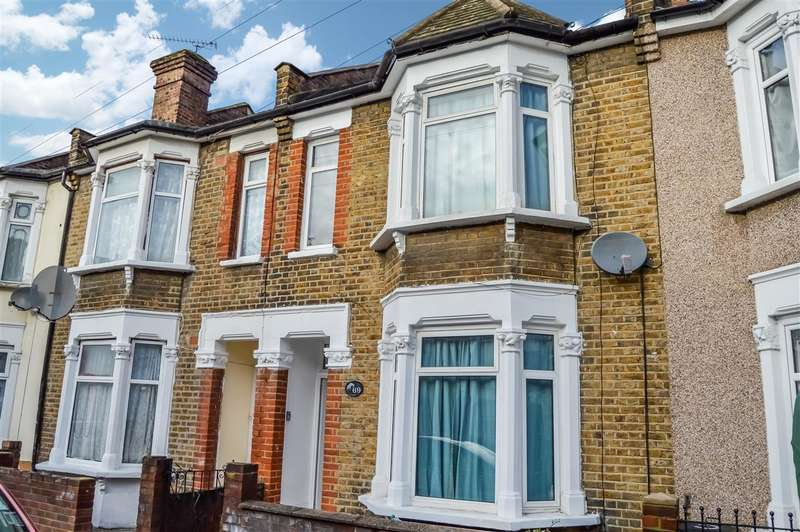 3 Bedrooms Terraced House for rent in Francis Avenue, Ilford