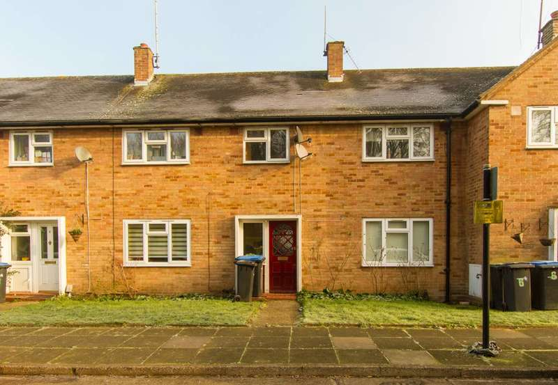 3 Bedrooms House for rent in Amwell Close, Enfield, EN2