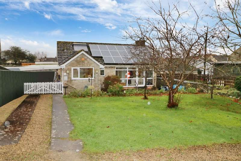 2 Bedrooms Detached Bungalow for sale in St. Edwards Close,