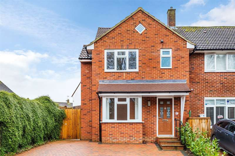 3 Bedrooms Semi Detached House for sale in Goodwyns Road, Dorking, RH4