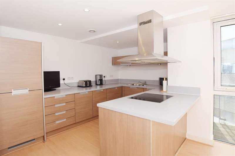 2 Bedrooms Flat for sale in Channel Way, Ocean Village, Southampton, Hampshire