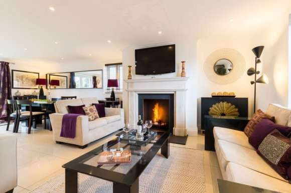 4 Bedrooms Property for rent in Pershore Manor, Pershore, Worcestershire