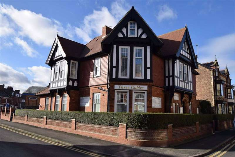 11 Bedrooms Guest House Gust House for sale in Windsor Crescent, Bridlington, East Yorkshire