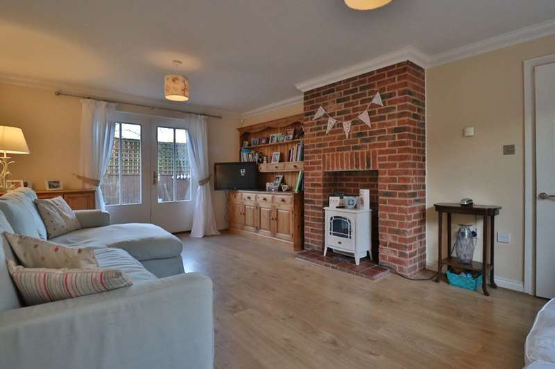 3 Bedrooms Detached House for sale in Crown Close, Dickleburgh, Diss