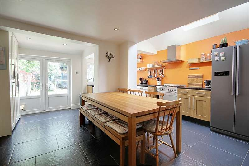 5 Bedrooms End Of Terrace House for rent in Gresham Close, Enfield, Greater London, EN2