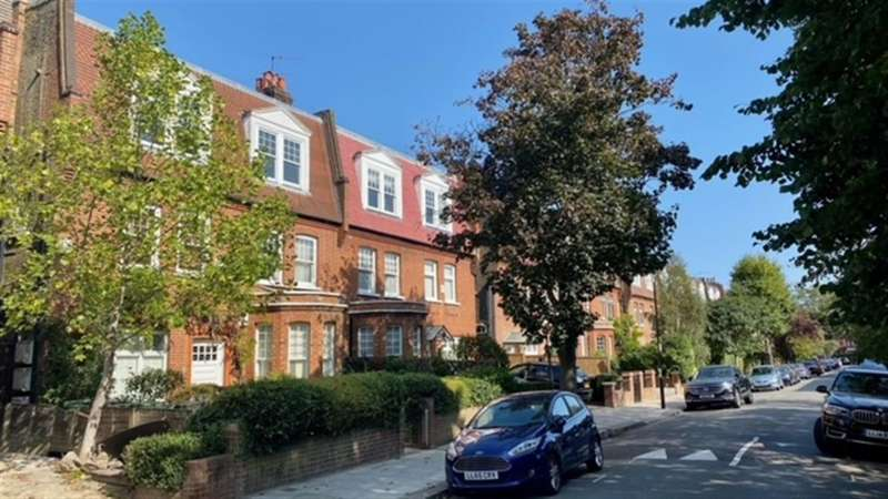 3 Bedrooms Apartment Flat for sale in Aberdare Gardens, South Hampstead NW6
