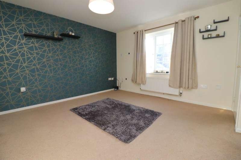 3 Bedrooms Semi Detached House for rent in Wagstaffe Close, Blackburn, BB2 4FS