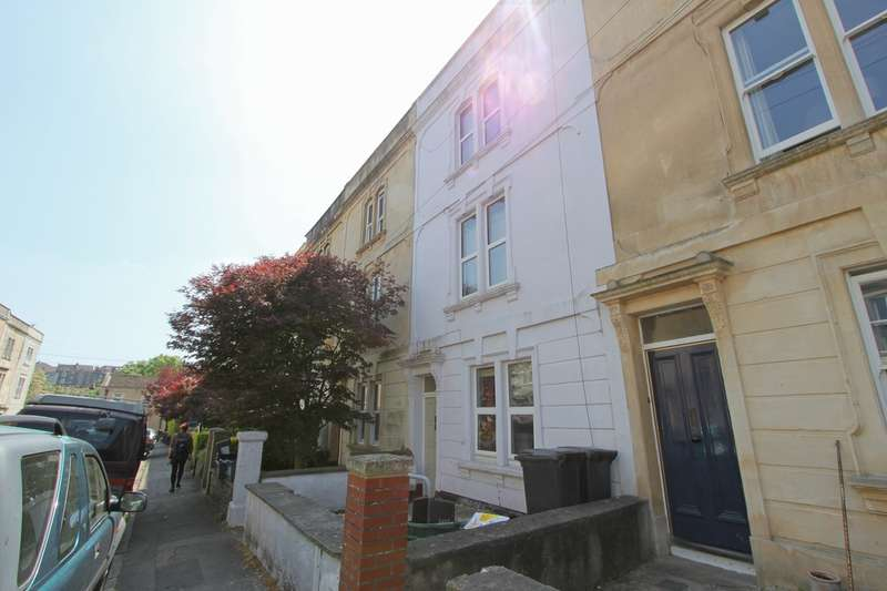 4 Bedrooms Flat for rent in Brighton Road, Bristol, BS6