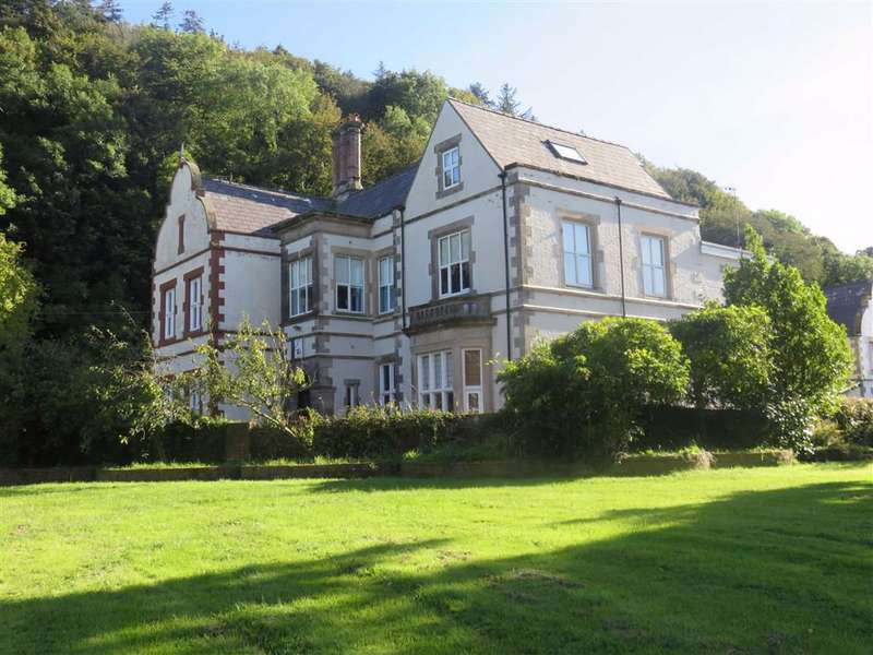 6 Bedrooms House for sale in Pentraeth, Anglesey