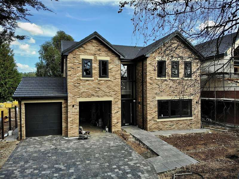 4 Bedrooms Detached House for sale in Wolviston Village
