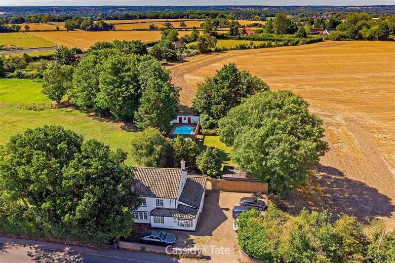 4 Bedrooms Detached House for sale in High Cross, Watford, Hertfordshire