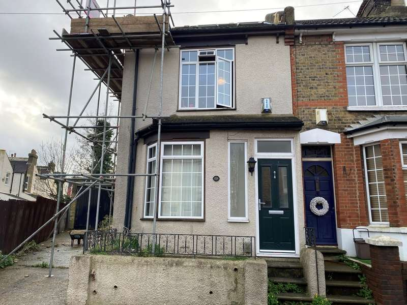 4 Bedrooms End Of Terrace House for rent in Cecil Road, Rochester