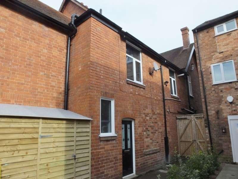 3 Bedrooms Flat for rent in Warwick Road, Kenilworth