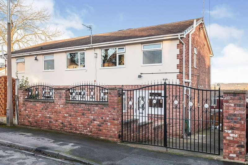 3 Bedrooms Semi Detached House for sale in Kenmore Way, Cleckheaton, West Yorkshire, BD19
