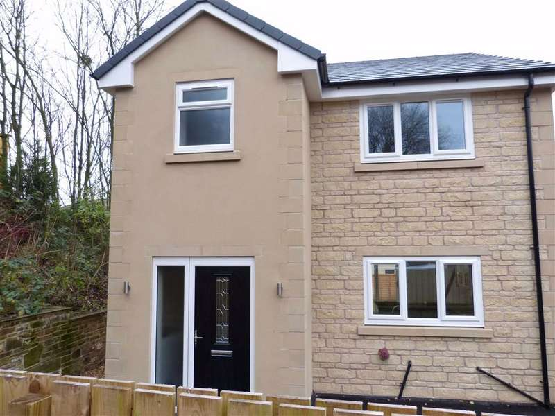3 Bedrooms Detached House for rent in Dinting Lane, Glossop