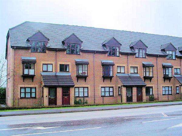 1 Bedroom Apartment Flat for rent in Chalet Court, Bordon