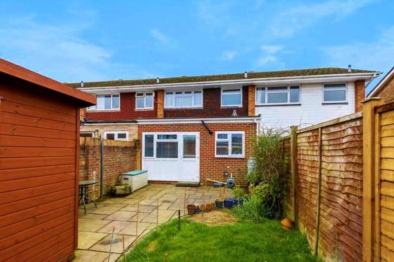 4 Bedrooms Property for rent in Stroud Green Drive, Bognor Regis, PO21