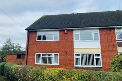 2 Bedrooms Flat for rent in Rodger Avenue, CW3