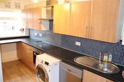 2 Bedrooms Flat for rent in BILLERICAY