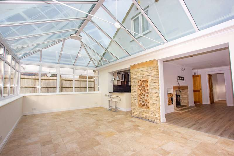 4 Bedrooms Detached Bungalow for rent in Brize Norton Road, Minster Lovell, Witney, OX29