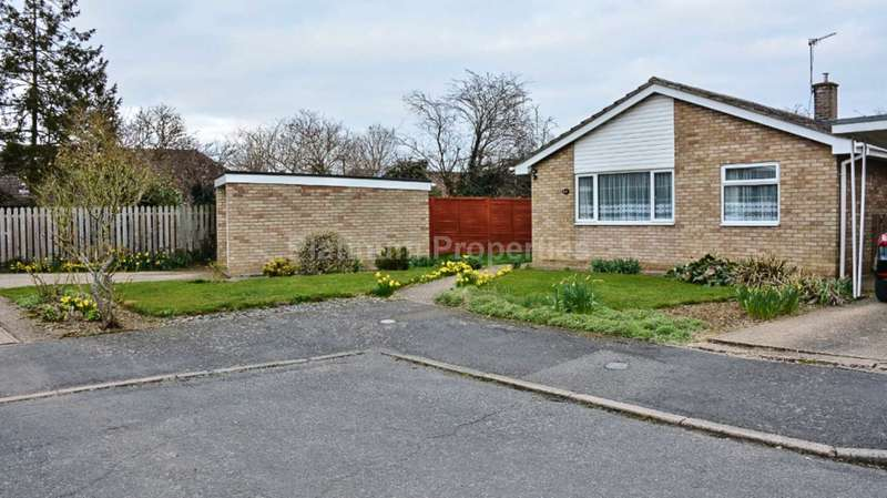 3 Bedrooms Detached Bungalow for rent in Church View, Witchford