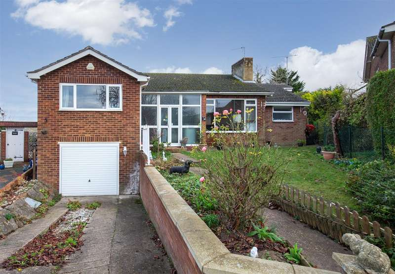 3 Bedrooms Detached Bungalow for sale in Chalton Heights, Chalton