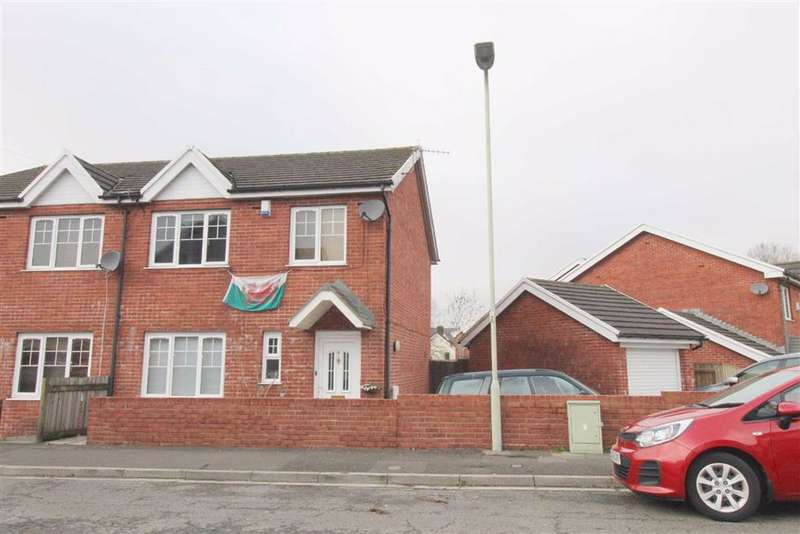 3 Bedrooms Semi Detached House for sale in Cwrt Y Ffoundri, Pontypridd