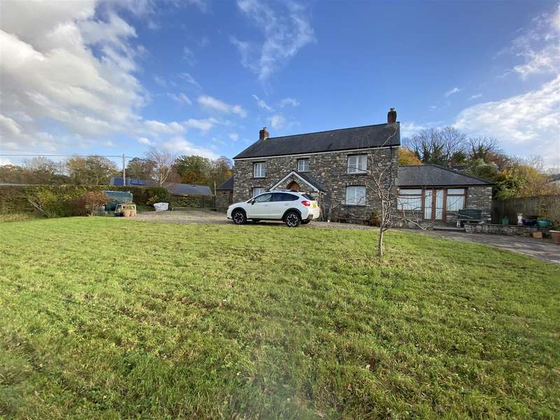 3 Bedrooms Detached House for sale in New Parc, Golden Grove, Carmarthen