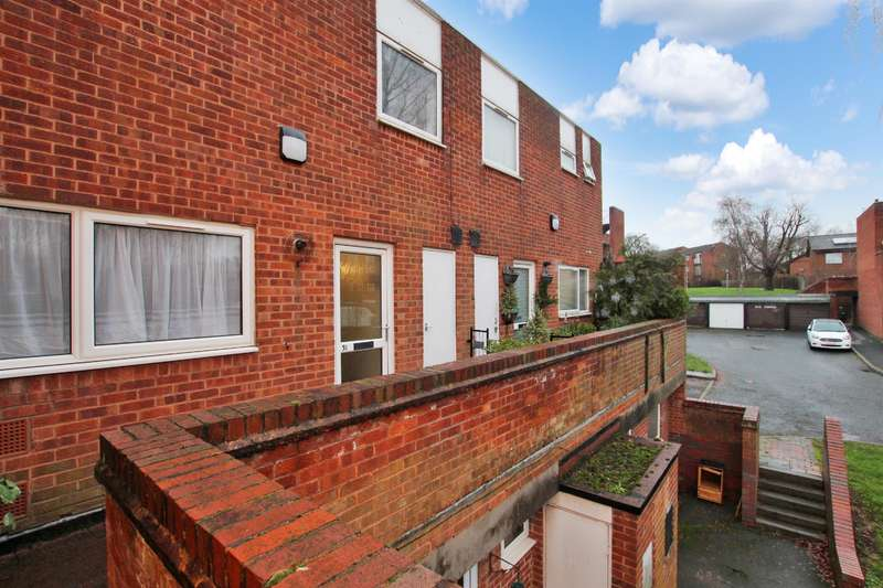 3 Bedrooms Terraced House for rent in Winyates Centre, Redditch, B98 0NR