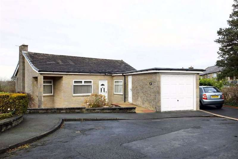 2 Bedrooms Bungalow for sale in Quernmore Drive, Kelbrook, Lancashire, BB18