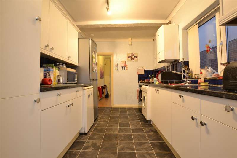 5 Bedrooms Semi Detached House for rent in Deans Way, GLOUCESTER, GL12QD