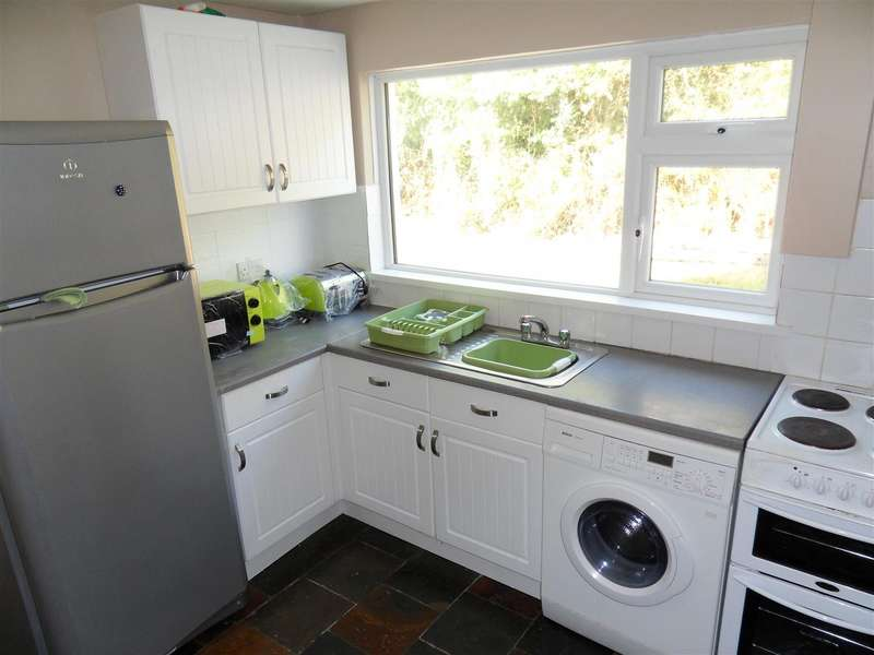 5 Bedrooms Property for rent in Chapel Lane, Penryn