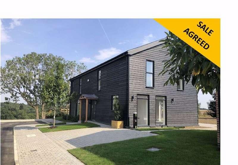 4 Bedrooms Detached House for sale in Ponsbourne Park, Newgate Street Village, Hertfordshire