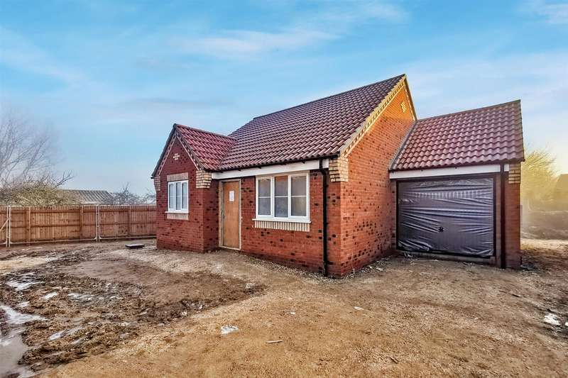 2 Bedrooms Detached Bungalow for sale in Thirsk Close, Market Rasen