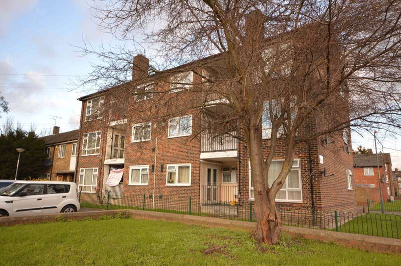2 Bedrooms Apartment Flat for sale in Ampleforth Road, London, SE2