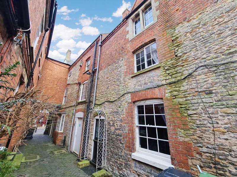 1 Bedroom Terraced House for sale in Parrys Court, Sleaford