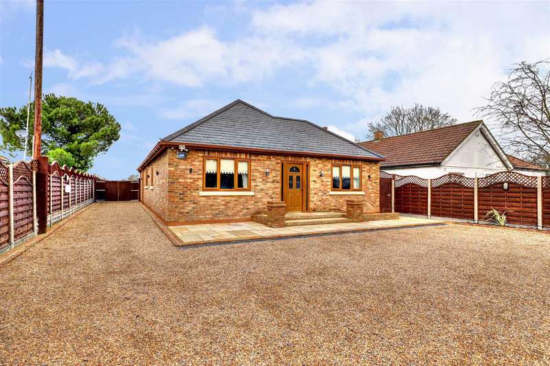 4 Bedrooms Detached Bungalow for sale in Charville Lane, Hayes, UB4