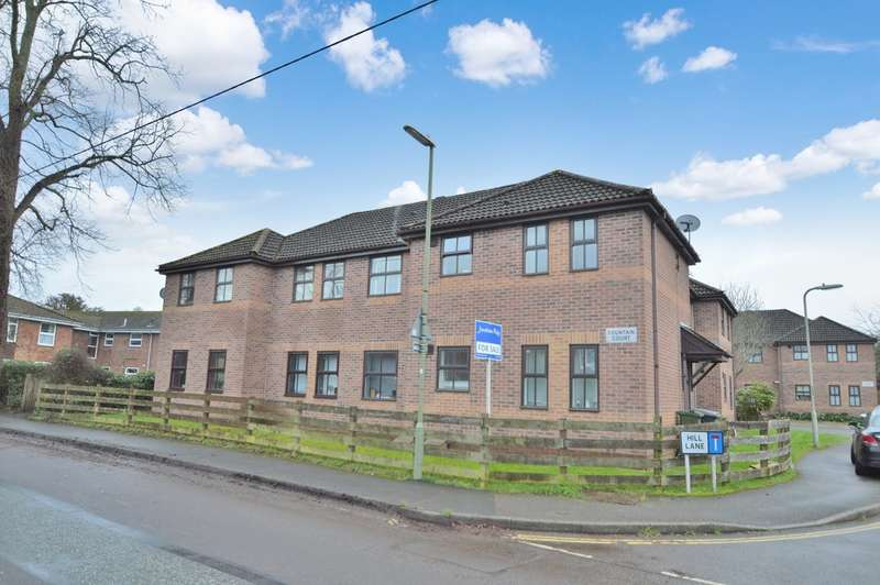 2 Bedrooms Flat for sale in Hill Lane, Colden Common