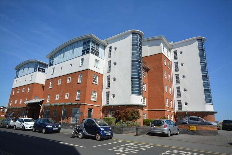 2 Bedrooms Flat for sale in Medina Road, Cowes