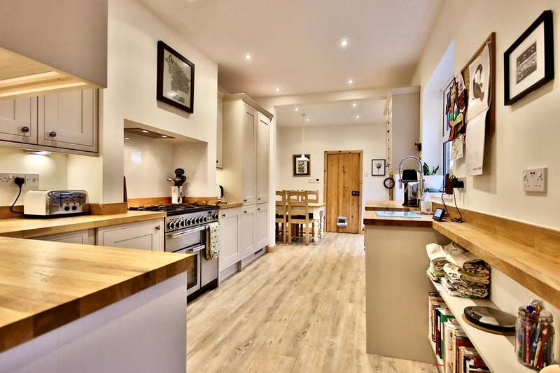 4 Bedrooms Terraced House for sale in Ombersley Road, Barbourne, Worcester, WR3
