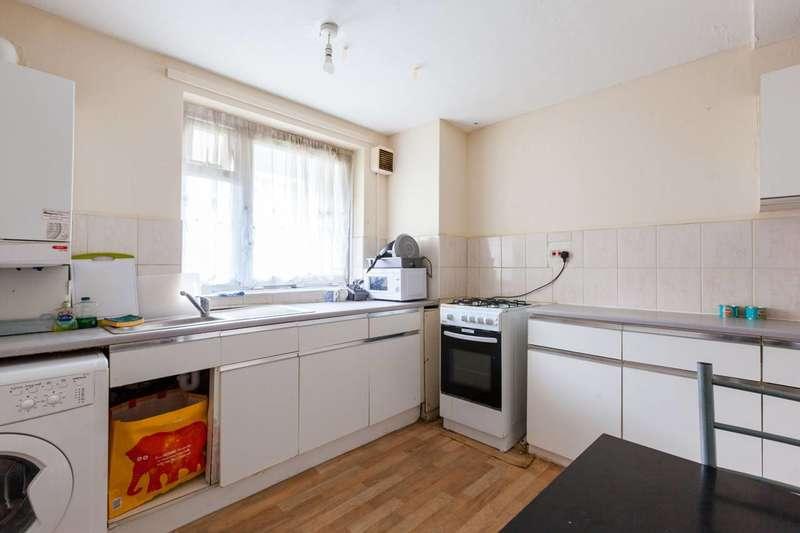 3 Bedrooms Maisonette Flat for sale in Trellis Square, Bow, E3