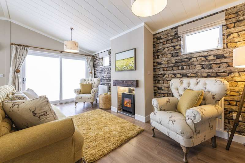 2 Bedrooms Lodge Character Property for sale in Ladera Retreat Lodges, Congleton