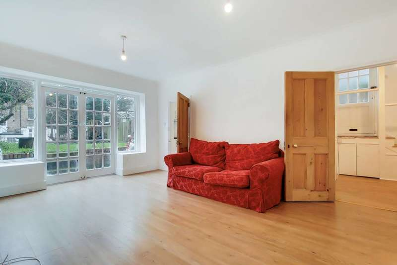 2 Bedrooms Flat for sale in Babington Road, Streatham Park, SW16