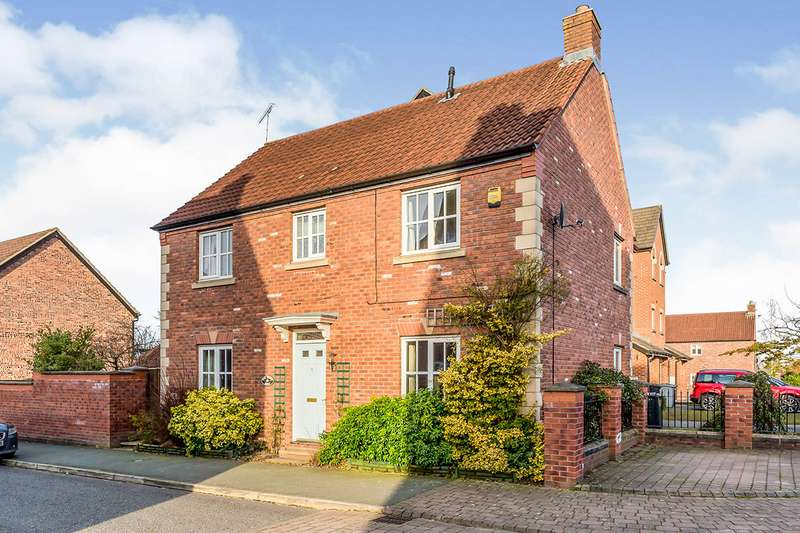 4 Bedrooms Detached House for sale in Pennymoor Drive, Middlewich, Cheshire, CW10