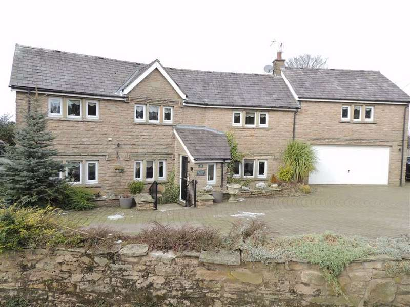 4 Bedrooms Detached House for sale in Barnsfold Road, Marple, Stockport