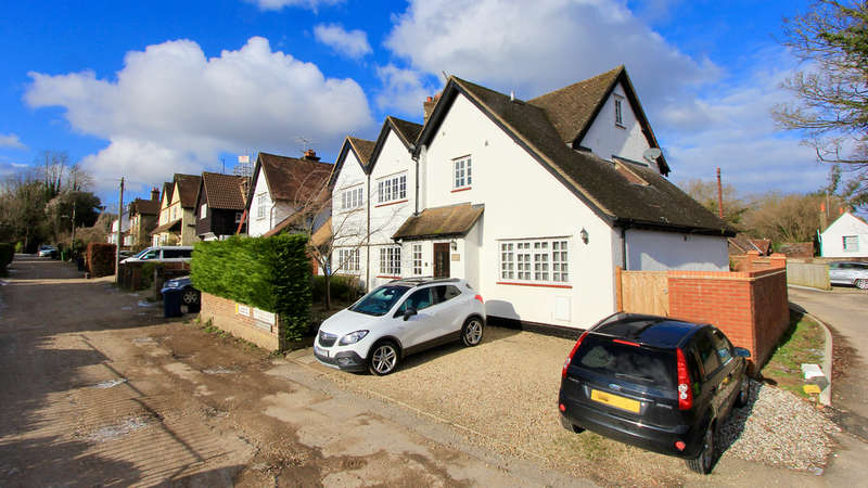 4 Bedrooms Semi Detached House for sale in Twitchell Road, Great Missenden