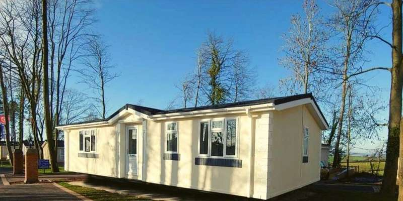 2 Bedrooms Mobile Home for sale in Residential Park Home, Whitland, Carmarthenshire