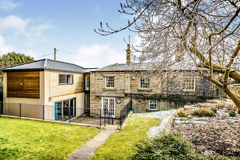 5 Bedrooms Detached House for sale in Field Lane, Brighouse, West Yorkshire, HD6