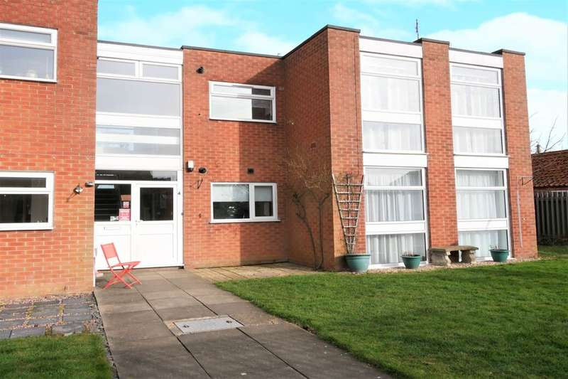 2 Bedrooms Flat for sale in Alford Road, Sutton-On-Sea, Mablethorpe, LN12